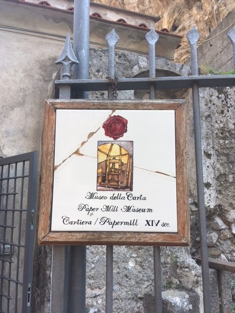 Lettering and calligraphy spotting in Italy